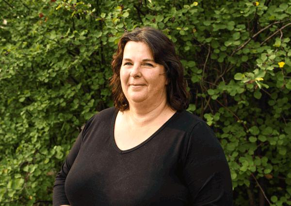 Leona Oak - Office Manager